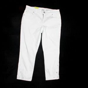 INC White Crop jeans NWT embroidered 8P
